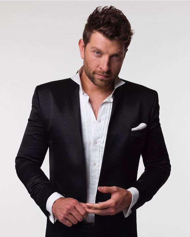 Sometimes you don't need a tie. Brett Eldredge's style. #BrettEldredge #glow #hisstyle