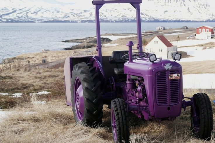 #Islandia #Iceland #hrisey #traktor