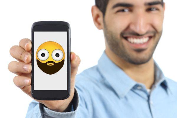 """Moslims willen een speciale moslim-emoji in bijvoorbeeld WhatsApp. Een online petitie om het symbool toe te voegen is inmiddels ruim een miljoen keer ondertekend. """"Er zijn emoji's voor Westerse, Aziatische en Afrikaanse mannen, maar niet voor islamitische mannen. Dat is discriminatie"""", legt initiatiefnemer Abdullah El Idrassa uit. """"De profeet Mohammed had een baard en als moslim ben je verplicht de [...]"""