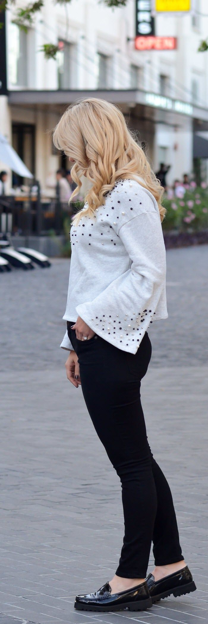 Embellished Bell Sleeve Top Outfit w. Jeans #fashionblog #fashionblogger #fallfashion #bellsleeves #jeans #denimlover #fallstyle #embellished #currentelliott #styleblog #womensfashion #womensstyle #womenover30 #outfitideas #outfitoftheday
