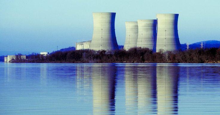 El salario promedio de un contratista nuclear según su cargo en el trabajo. Los contratistas nucleares son trabajadores en el campo de la energía o de la investigación nuclear. Los operadores de reactores de energía trabajan en centrales nucleares que producen electricidad mediante la creación de calor a través de la fisión y la convierten en energía o electricidad. Los técnicos nucleares pueden trabajar en una central o ...