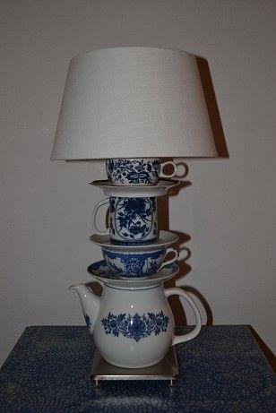 een lampekapje en oud servies maakt een creatie! zooo leuk!!