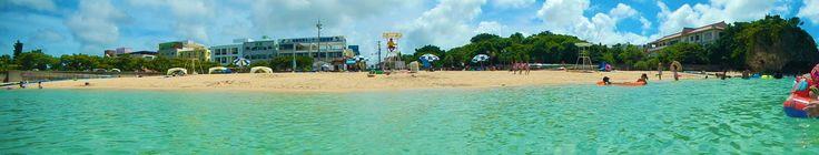 波の上ビーチに行きましたら昔と違って綺麗になってる in Naminoue beach.