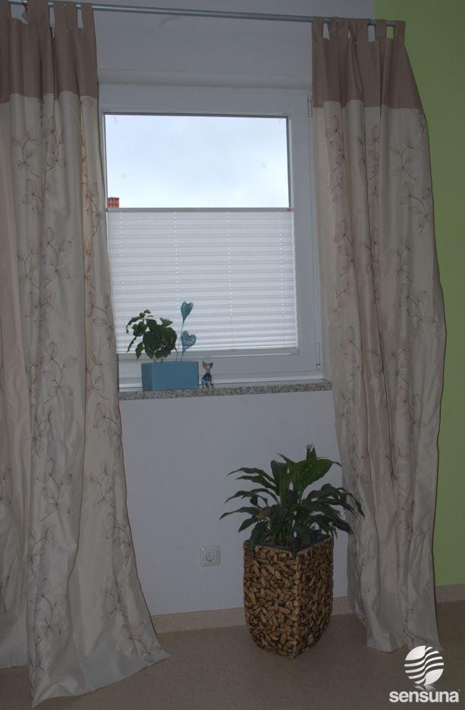Plissee Vorhang im Schlafzimmer   Plissee Vorhang im Schlafzimmer