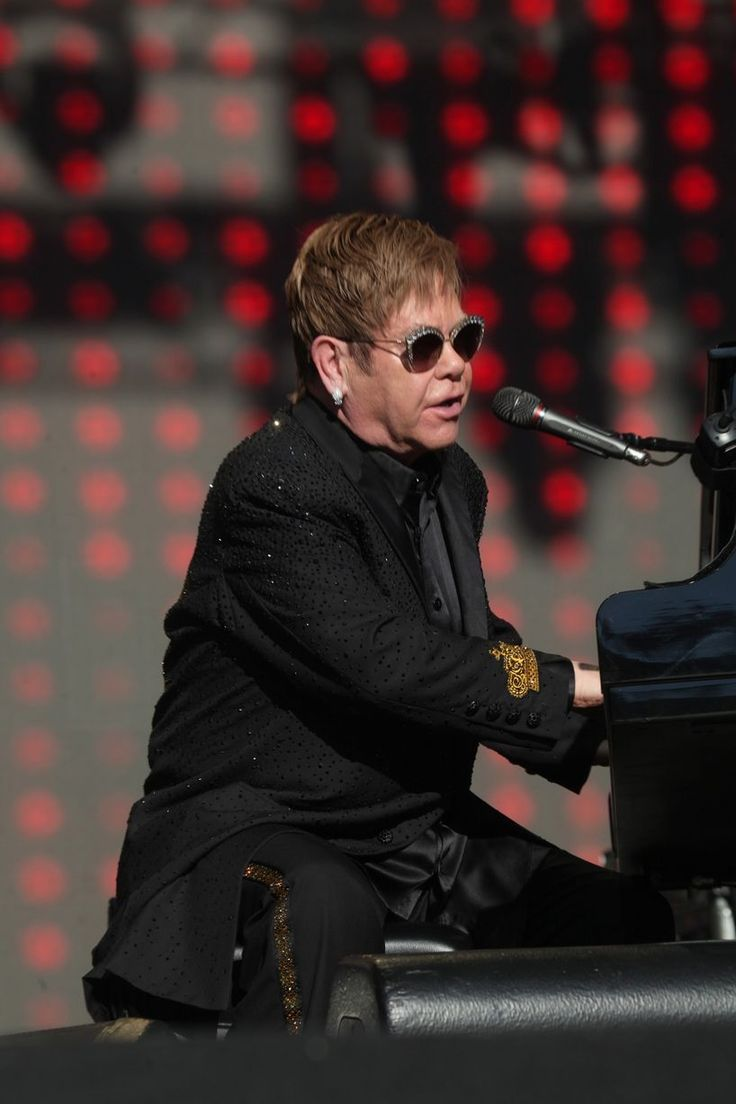 Elton John at the Select Security Stadium, Widnes - Liverpool Echo