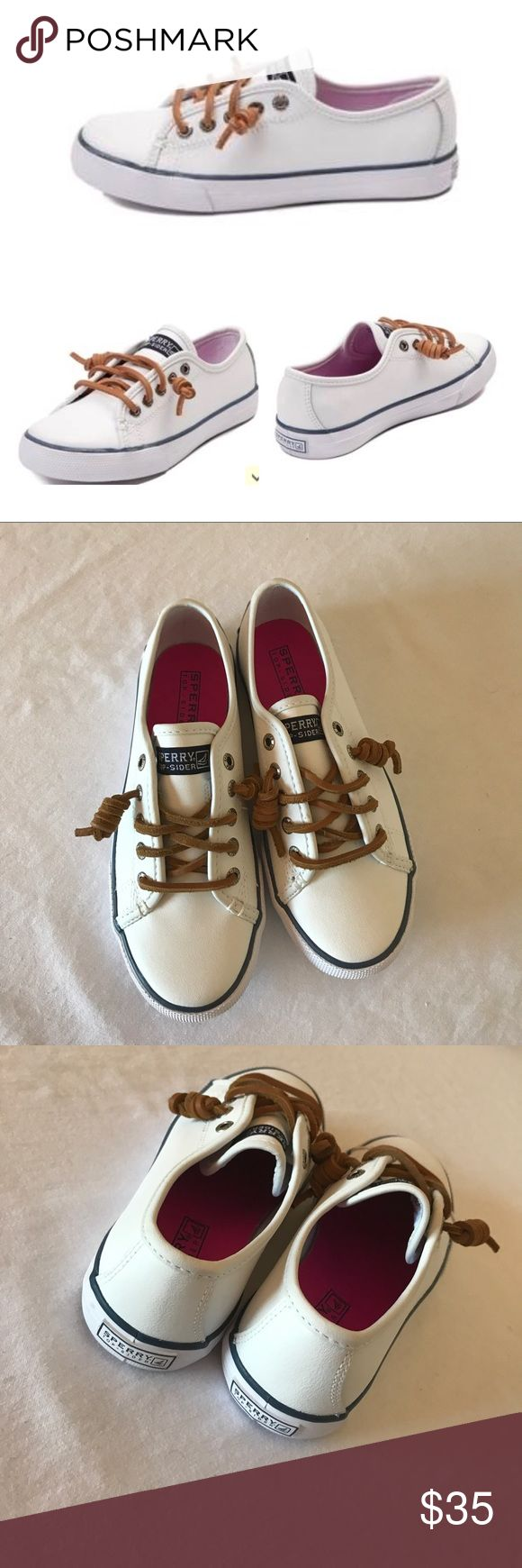Sperry, nwob, size 1, kids seacoast sneaker, white The perfect kids, slip-on shoe.. sperrys, seacoast sneaker, nwob, size 1, 🚫no trades. Runs true to size.Add a touch of style to an otherwise laid back look in the new Sperry Seacoast sneaker. Just like mom's, these casual cool sneakers are perfect for almost any occasion. Leather or textile upper Gore for easy on/off Authentic boat shoe styling Sperry Shoes Sneakers