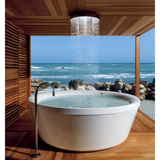 Awesome Shower/tub!