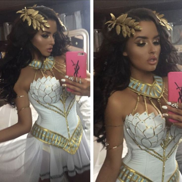 Abigail ratchford was a sexy Greek goddess for halloween