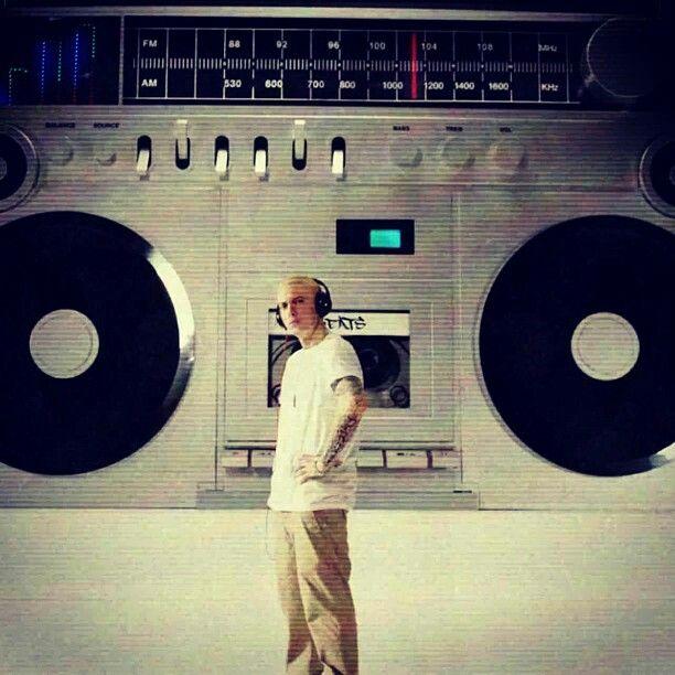 Eminem berzker