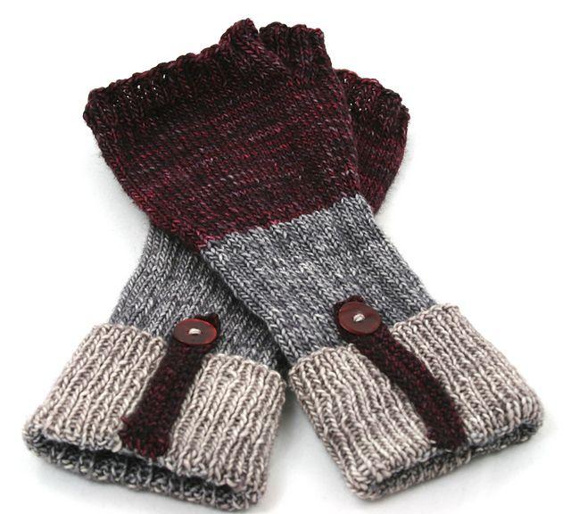 Fingerless Gloves Knitting Pattern Ravelry : 231 best images about knit fingerless glove patterns on Pinterest Cable, Ra...