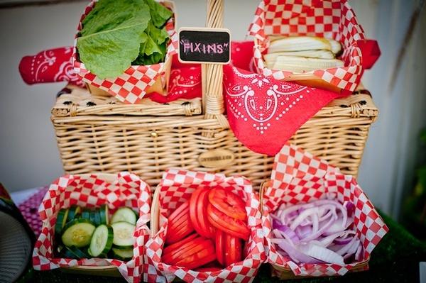 bbq: Food Display, Birthday Parties, Parties Ideas, Picnics Baskets, Picnics Parties, Picnics Food, Parties Style, Salad Bar, Picnics Theme
