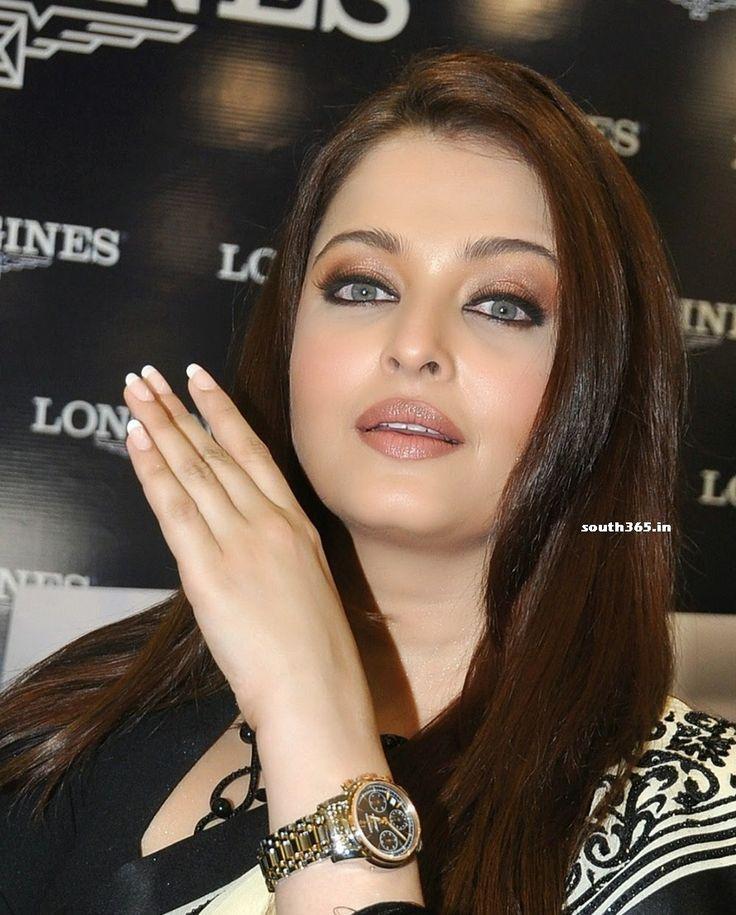 Aishwarya Rai Bachchan in Saree At Longines Store Launch In Hyderabad #AishwaryaRai #AishwaryaRaiBachchan