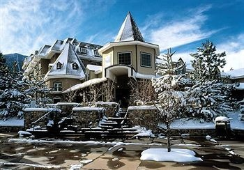 Embassy Suites Lake Tahoe - Hotel located just south of the California-Nevada border. This hotel allows guests easy access to local attractions, including Heavenly Resort, Zephr Cove Beach, and many casinos in the Nevada area. from $129 per night