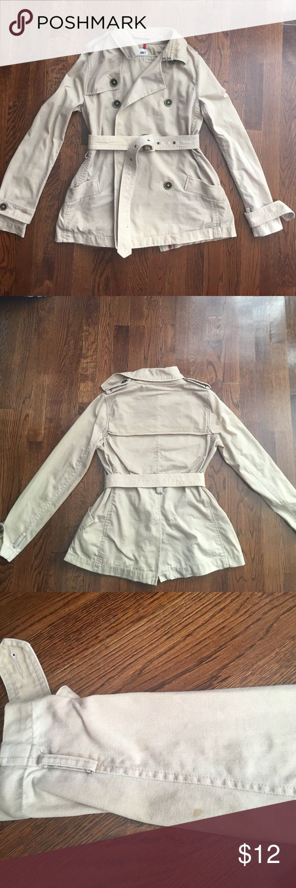 Old Navy Coat Women's small Old Navy Coat. Good used condition. Worn only a handful of times. There are a few small stains noted in pictures. Would probably come out with some elbow grease. The largest one is on a removable strap around the sleeve opening and those could be removed. The other two stains are small and barely noticeable. 100% cotton. Has a canvas like feel to the material. Old Navy Jackets & Coats Blazers