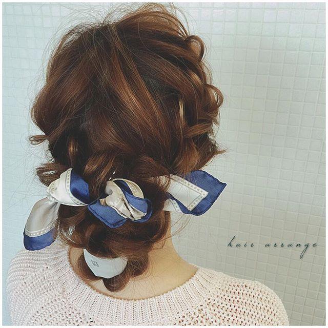 ヘアアレンジ & ヘアセット 河村タカシ バンダナアレンジ。 結ぶだけじゃ物足りない。 一緒に編み込むのは難しい。 そんな方にはオススメ。 プロセスは後ほど。 #hairarrangecam #hairstyle #hair #hairarrange #hairset #hair #ヘアアレンジ #ヘアセット #ヘア #編み込み #braid #plait #大阪 #心斎橋 #美容 #followme #二次会 #結婚式 #ウェディング #ブライダル #プロセス #ヘアアレンジ解説 #hairdresser #美容室 #美容師 #mery_hair_arrange #mery #locari #ビュースタグラマー