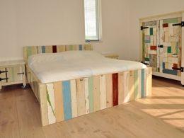 Sloophout bed | ledikant van sloophout | bed op kleur gemaakt | de Steigeraar