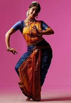 Previous poster said Bharatnatyam. And the head piece looks right. But that Tribanghi is pure Odissi.