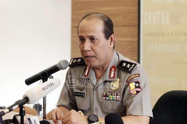 Gubernur DKI Jakarta nonaktif Basuki Tjahaja Purnama kembali dilaporkan atas dugaan pencemaran nama baik atau fitnah.