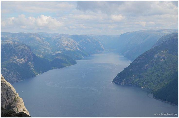 Aussicht auf den Fjord vom Preikestolen #Norwegen #Reisen #Backpacker #Camper #Roadtrip #Seen #Flüsse #Natur #Preikestolen #Wandern
