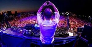 Armin van Buuren tijdens een concert, liefde voor muziek