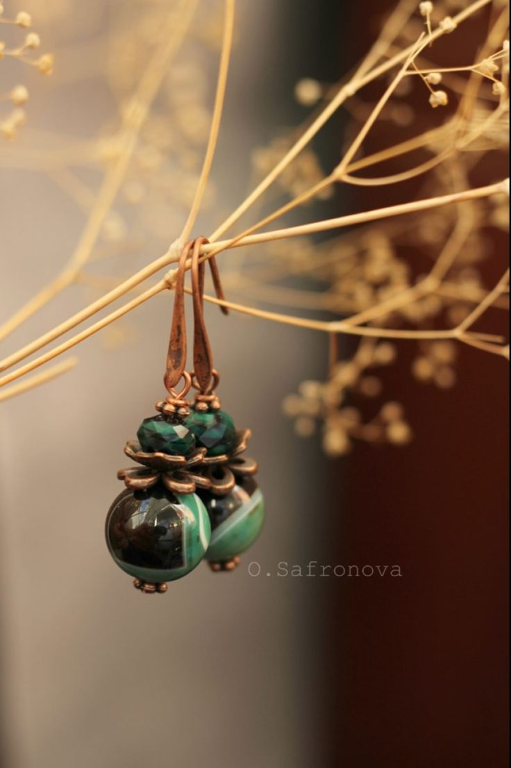 Серьги с зелеными агатами. Серьги с натуральными камнями - Каталог рукоделия #119157