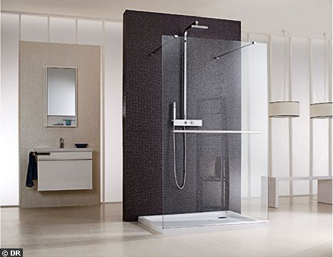 un receveur ultra plat avec paroi de douche en verre douche l 39 italienne ou receveur ultra. Black Bedroom Furniture Sets. Home Design Ideas