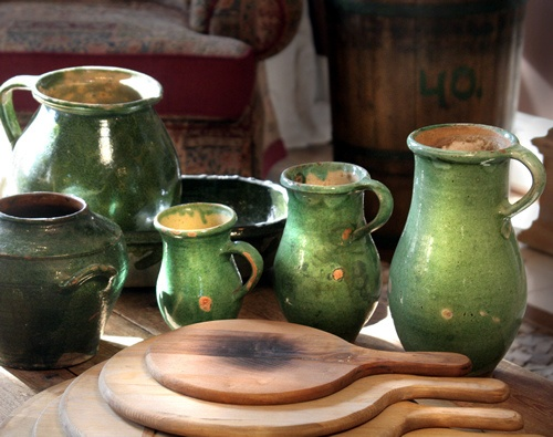 antique hungarian pottery    http://www.picturetrail.com/1800primitives