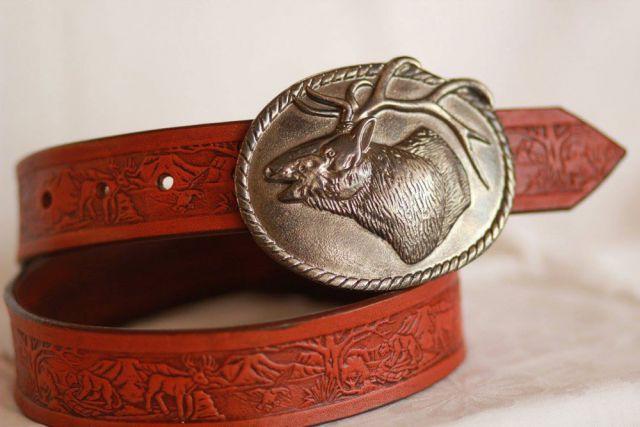 Kožený opasok s poľovníckym motívom a klasickou prackou. Všetky opasky sú vyrobené z pravej hov.kože. Vyrábam ich na mieru, podľa želania zákazníka. O...