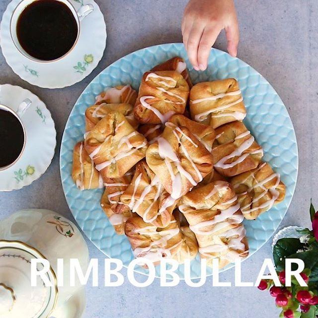 Rimbobullar❣VÄRLDENS godaste bullar om jag får tycka. En blandning mellan wienerbröd och vaniljbullar. Fyllda med vaniljsmör och glaserade med socker SÅ GODA Fullständigt recept hittar du i länken i min profil➡@zeinaskitchen
