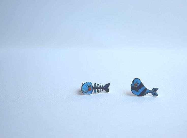 orecchini a lobo illustrati con pesce e lisca! tutte le foto, gli altri articoli e le informazioni sulla mia pagina Fb Lab Liù