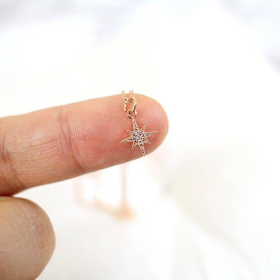 Collier de charme North Star super minuscule en or Rose, Or Rose collier étoile, demoiselle d'honneur cadeau, cadeau d'anniversaire, Star collier-JU7003R