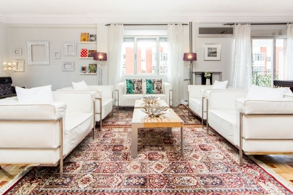 Madrid, Spain Vacation Rental, 3 bed, 2 bath, kitchen with WIFI in Chamartin. Thousands of photos and unbiased customer reviews, Enjoy a great Madrid apartment rental perfect for your next holiday. Book online!