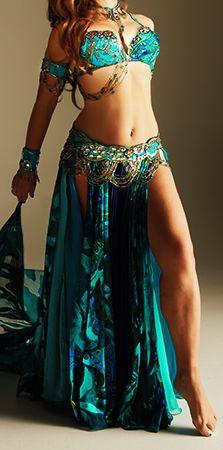 Beautiful costume <3
