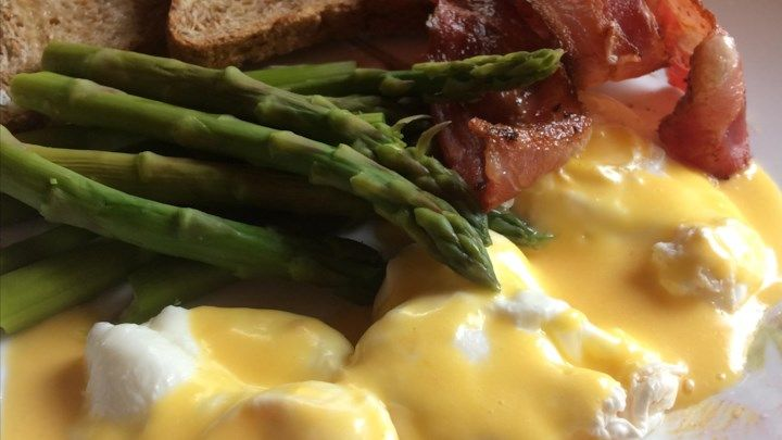 Quick And Easy Hollandaise Sauce In The Microwave