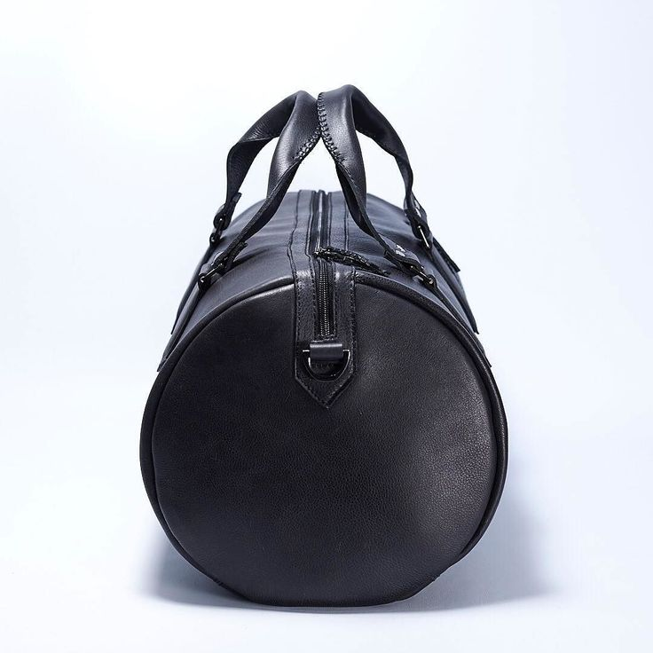 NEW SUBSTANTIAL CAPRA LEATHER DUFFLE BAG.  The shape:The barrel dimensions were calculated using the divine proportion or golden ratio a mathematical and artistic proportion used by artist as Leonardo Da Vinci. Assuring your bag will always look fantastic. #mens #mensfashion #autumn #vacations  #leather #menstyle #leathergoods #travel #leatherbag #everydaycarry #design #leatherbag #dufflebag #duffle #weekender #brownleather #handbag #bags #fashionbags #bagslover #fashion