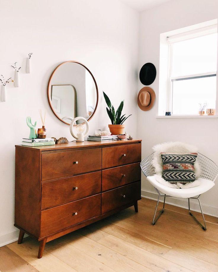 Schließlich wird diese Seite des Schlafzimmers etwas Liebe geben #weekendproject #d …   – Heimzubehör