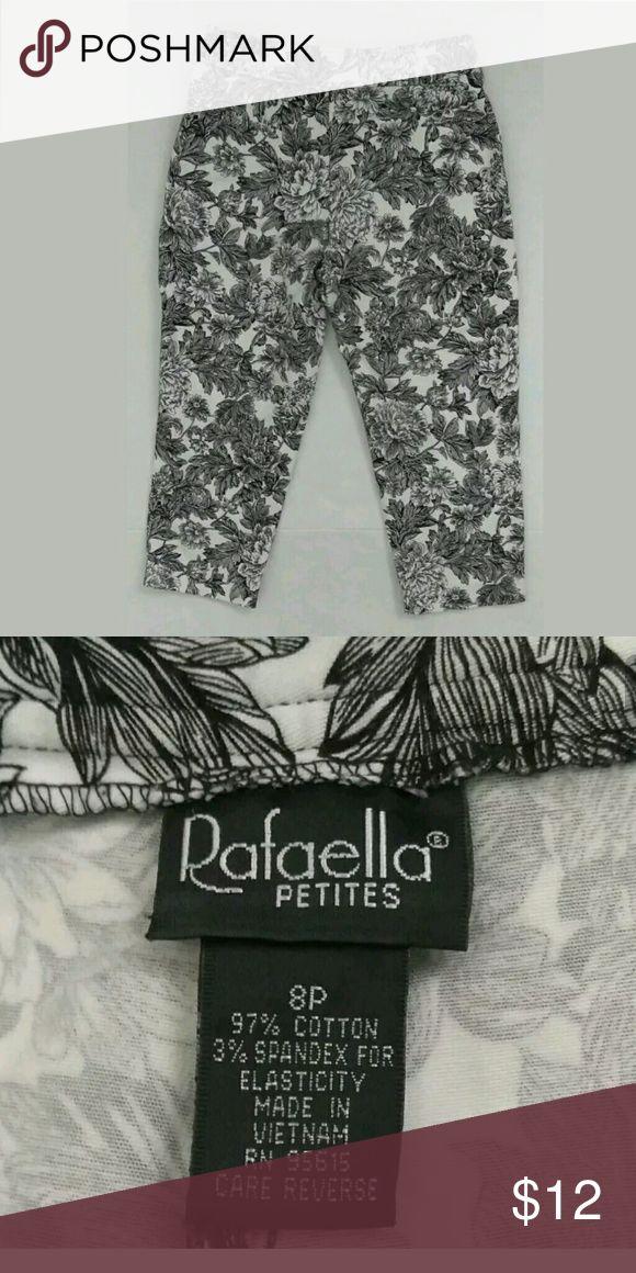 🌹 Rafaella Capri's Women's size 8 Petite Has pockets  Excellent condition Rafaella Pants Capris