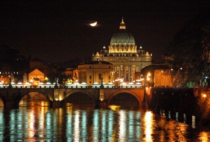 Amazing World Edu-tourisms to Acquire New Knowledge : Florence World Edu Tourism At Night