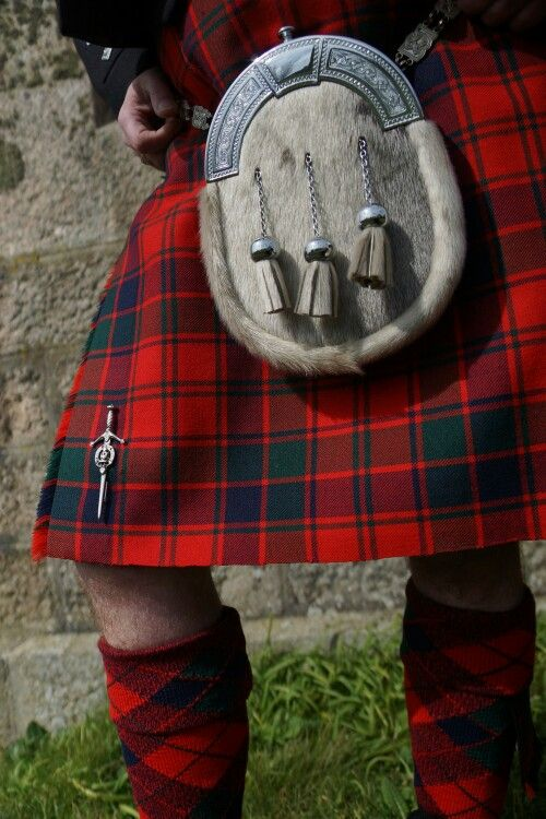 A shot of the kilt with pin, sporran and Robertson tartan hose by Bonnie Tartan. Photo taken by Becky Tyrrell.