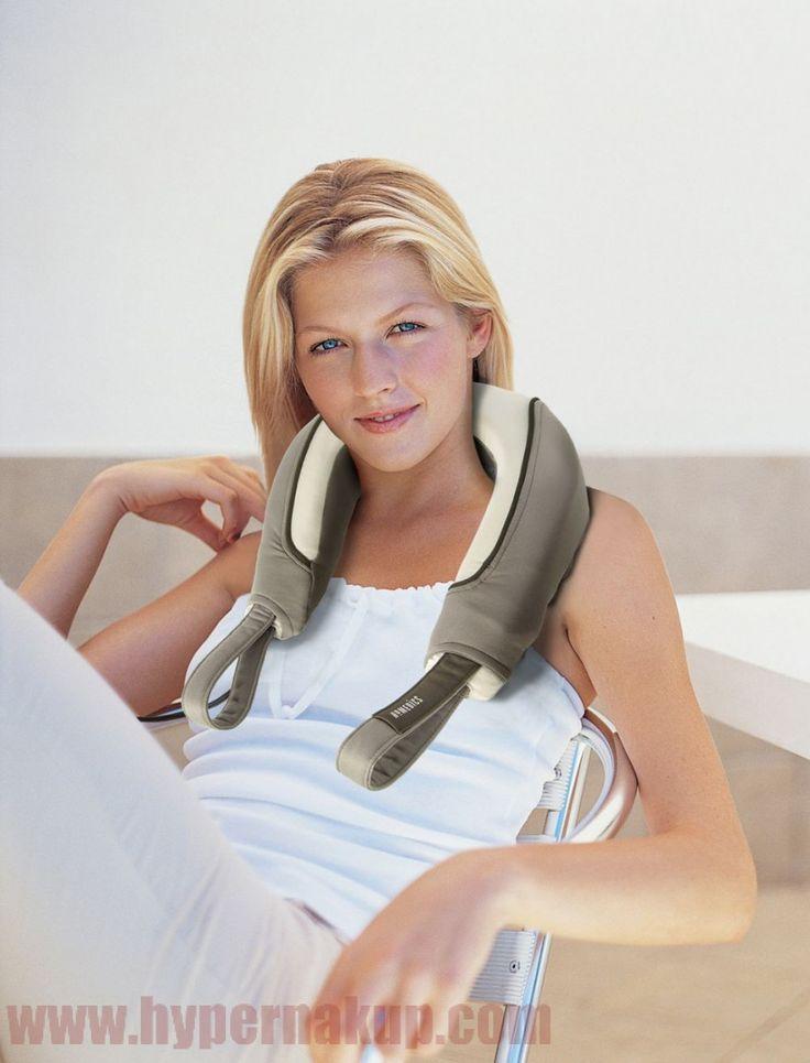Shiatsu masážny prístroj  HOMEDICS NMS-250 poskytuje ukľudňujúcu vibračnú masáž pre povzbudenie a uvoľnenie svalov. Ergonomický dizajn pre jednoduché použitie na celé telo, unikátny Dual Action disk – teplá masáž – simuluje masáž horúcimi kameňmi a povzbudzujúca ľadová masáž. Moderný masážny prístroj na šiju a telo  HOMEDICS NMS-250 pracuje za pomoci  špeciálneho  masážneho mechanizmu, ktorý imituje ruky maséra. Shiatsu masáž a upokojujúce teplo jemne masíruje krk – uvoľňuje napätie a stres…