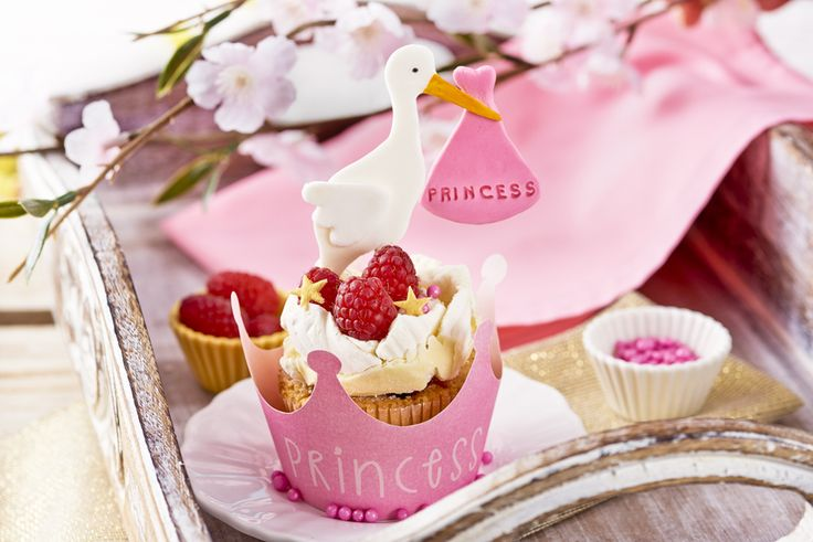 Bezowe babeczki dla małej księżniczki. Poznaj przepis - kliknij w zdjęcie! #wielkanoc