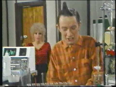 """Ed Grimley in """"The Nutty Lab Assistant"""" featuring John Cougar Mellencamp & Andrea Martin - YouTube"""