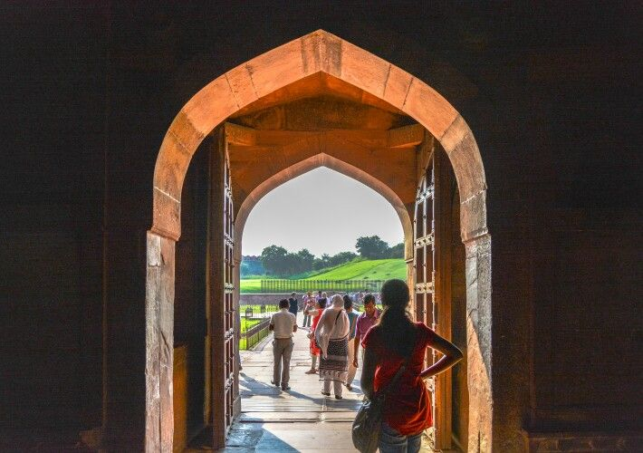 Archway in Agra fort - Agra, India