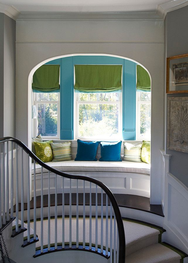 Reading Nook Design Ideas. This window-seat (reading nook) is dreamy! #Nook #ReadingNook