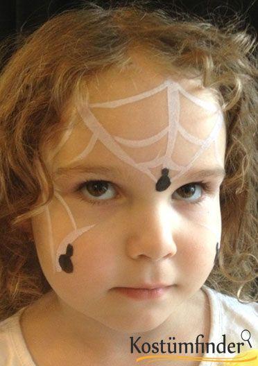 Spinnennetz schminken Schritt 3