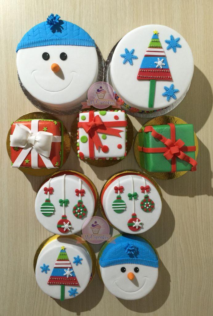 Mini tortas para navidad. Mini torta muñeco de nieve, corona de Navidad, regalos en fondant, arbol de navidad, esferas de navidad