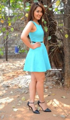 Rashi Khanna Sexy Photos Showing Legs And Thighs (9)