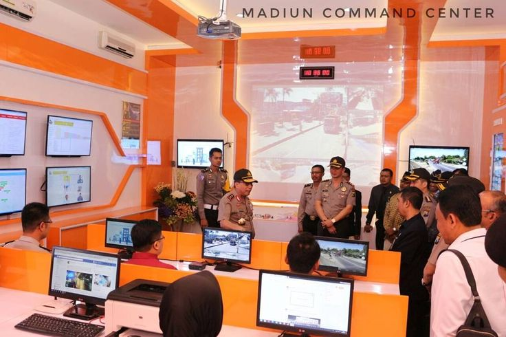Kapolda Jawa Timur Irjen Pol Drs. Machfud Arifin S.H. meresmikan Madiun Command Center yaitu Pusat Komando Polres Madiun yang berbasis Teknologi Informasi dengan Layanan Aplikasi Online MPB (Madiun Problem Button) yang diintegrasikan Dengan Aplikasi BIS (Bhabinkamtibmas Information System)