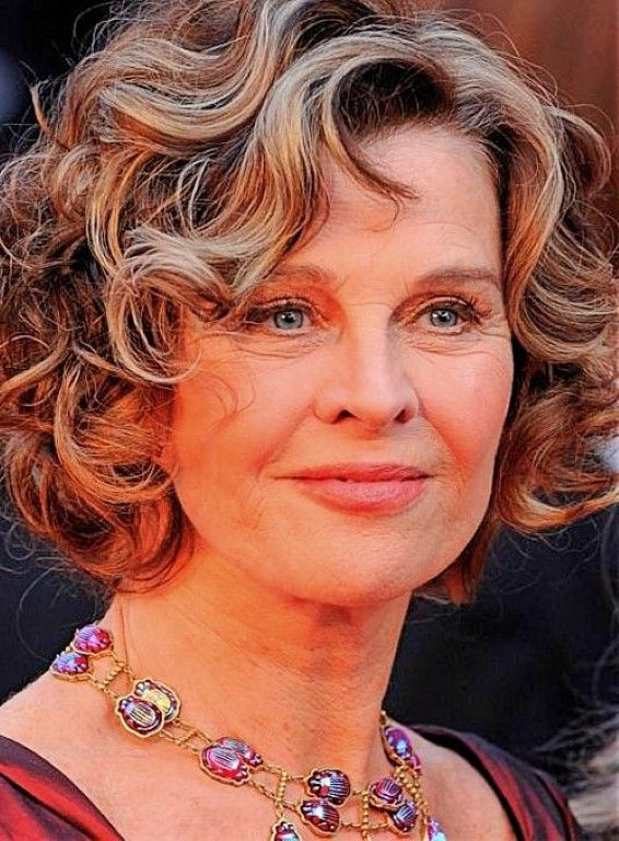 Wavy Hairstyles For Women Over 50 For Women Over 50