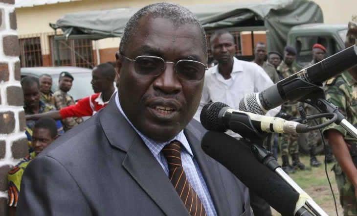 """Côte d'Ivoire: le ministre de la défense """"bloqué"""" pendant une demi-heure dans un camp militaire d'Abidjan - 19/11/2014 - http://www.camerpost.com/cote-divoire-le-ministre-de-la-defense-bloque-pendant-une-demi-heure-dans-un-camp-militaire-dabidjan-19112014/?utm_source=PN&utm_medium=CAMER+POST&utm_campaign=SNAP%2Bfrom%2BCamer+Post"""